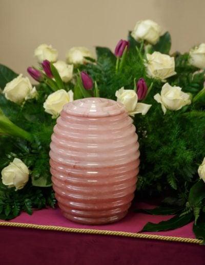 urna alabaster różowy